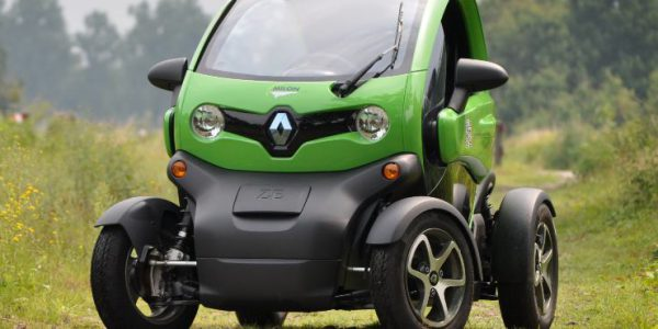 MILON Rijdt Elektrisch Met Renault Twizy